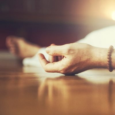 store_downloads_yoga_nidra_hand